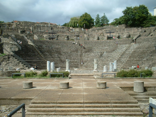 lyontheatreromain200608261.jpg