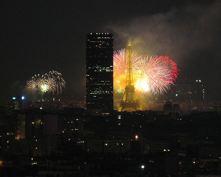 750pxparisfireworks14july20051.jpg